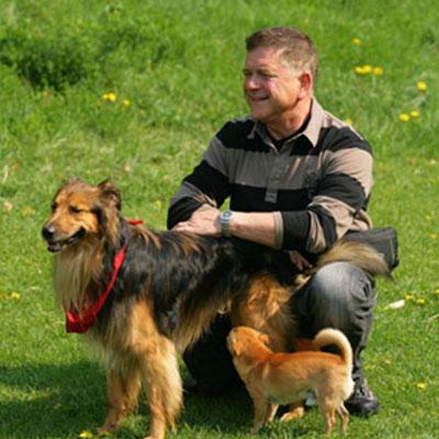 Hunde-Lehrer Rudi mit Joshi